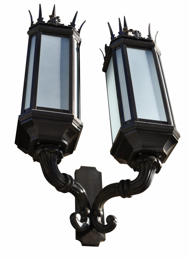 450 Mb2 Br W Shwoca Historic Spiked Lantern Double Head Pershing Square Baroque ADG Lighting