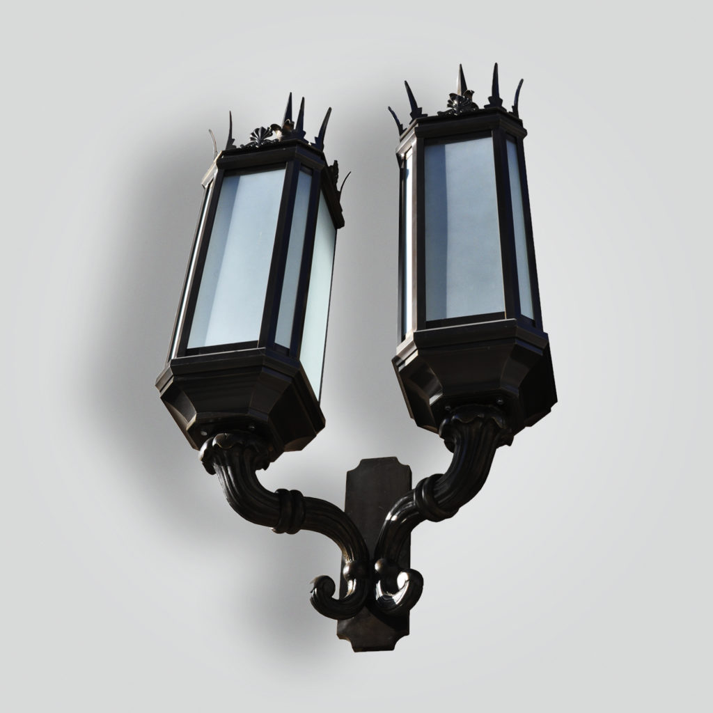 450-mb2-br-w-shwoca Historic Spiked Lantern Double Head – ADG Lighting Collection