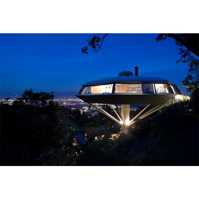The Chemosphere designed by John Lautner and completed in 1960. Photo: Joshua White